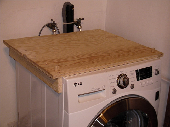 The bracing platform seen on top of the washer