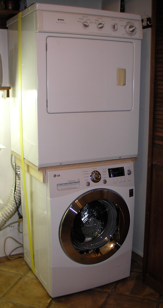 Use custom brace to stack incompatible washer and dryer